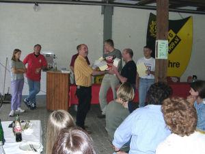 Preisübergabe beim Schleifchenturnier 2001