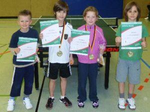 Tischtennis MINI-Meister bis 8 Jahre:Daniel, Robin, Sarah und Tom