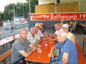 Mainflingens Edelfans sind mit dem bisherigen Abschneiden ihrer Mannschaft beim Mainpokal in Zellhausen durchaus zufrieden.
