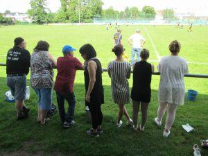 Mainflinger Fans am Spielfeldrand