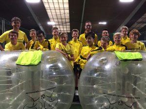 Mit einem Besuch beim spektakulären Bubblesoccer-Fußball krönte die D1-Jugend der TSG Mainflingen eine gelungene Saison.